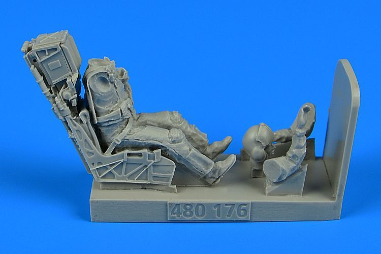 Aerobonus 1/48 US Navy Fighter/Attack Pilot with Ejection Seat for McDonnell-Douglas F/A-18E/F # 480