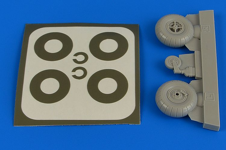 Aires 1/32 Bucker Bu-131A/Bu-131D Wheels & Paint Masks Transverse Tread without Disc Cover # 2218