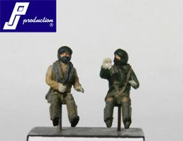 PJ Productions 1/72 2 x RAF pilots modern seated # 721118