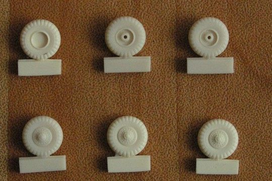 Pavla 1/72 DUKW Wheels # M72061