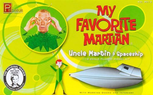 Pegasus Hobbies 1/18 Uncle Martin and Spaceship from classic TV show 'My Favorite Martian' # 9012