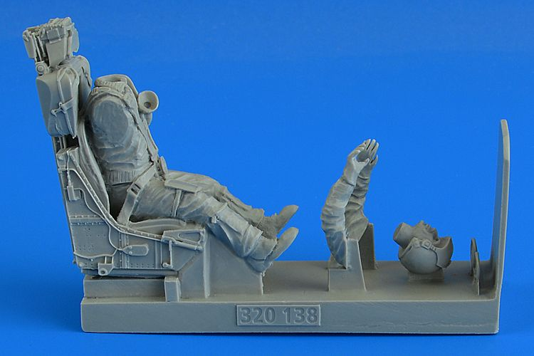 Aerobonus 1/32 Modern German Luftwaffe Fighter Pilot w/ Ejection Seat for Lockheed F-104G/S Starfigh
