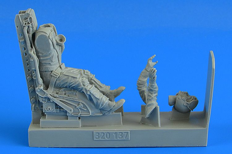 Aerobonus 1/32 U.S.A.F. Fighter Pilot w/C2 Ejection Seat for F-104C/G Starfighter # 320137