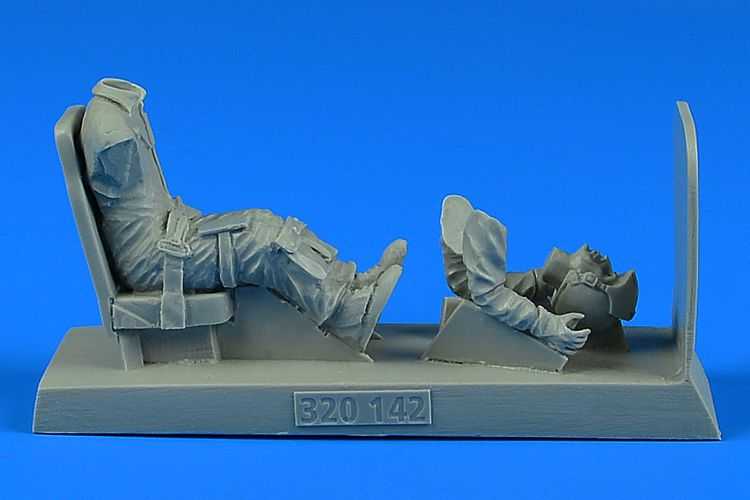 Aerobonus 1/32 U.S.A.F. Pilot with Seat for O-2 # 320142