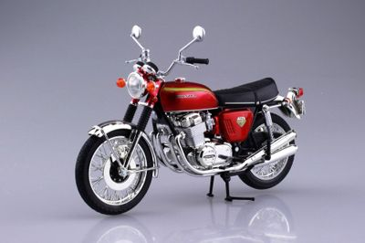 Aoshima 1/12 Honda Dream CB750FOUR (K0) Candy Red Diecast Model # 10432