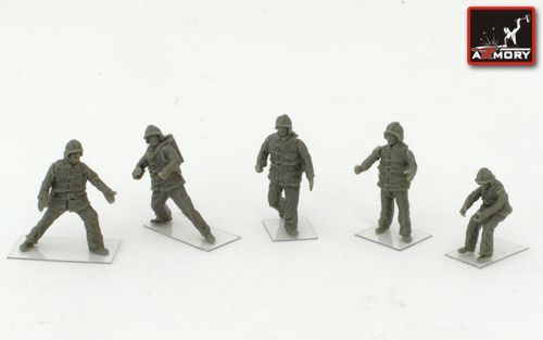 Armory 1/72 Soviet Airfield Firefighters (Modern) x 5 (Resin) # 7215