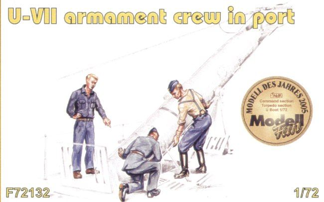 Czech Master 1/72 3 x armament crew in port loading on board a G