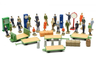 Dapol - OO Gauge Station Accessories # C012