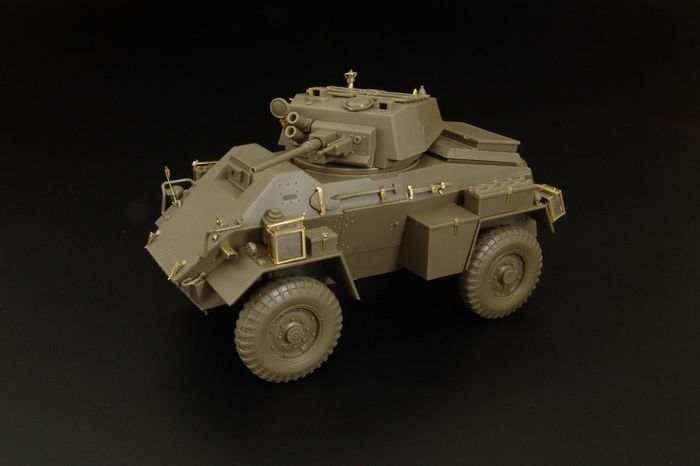 Hauler 1/48 British 7ton Humber Armoured Car Mk.IV # X48376