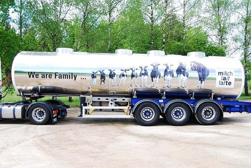 "Italeri 1/24 ""We are Family"" Tank Trailer # 3911"
