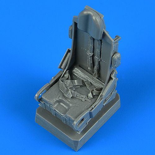 Quickboost 1/32 North-American F-100D Super Sabre Ejection Seat with Safety Belts # 32241