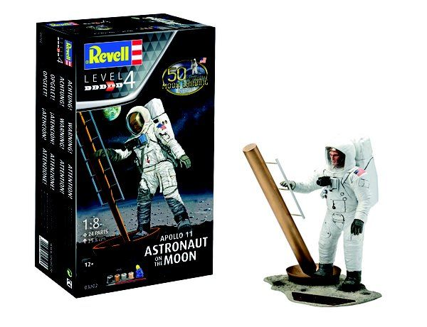Revell 1/8 50th Anniversary Moon Landing 1969-2019 Apollo 11 Astronaut on the Moon Gift Set # 03702