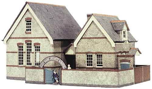 Superquick 1/72 Village School (B31) # 99031