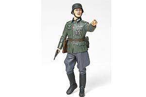 Tamiya 1/16 WWII German Field Commander # 36313