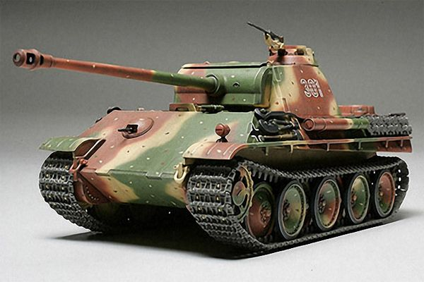 Tamiya 1/48 German Panther Type G # 32520