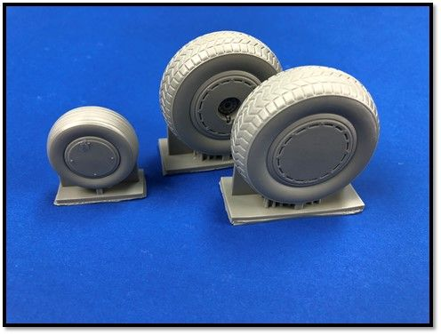 True Details 1/72 Consolidated B-24 Liberator Wheel Set with Dust Covers # P72217